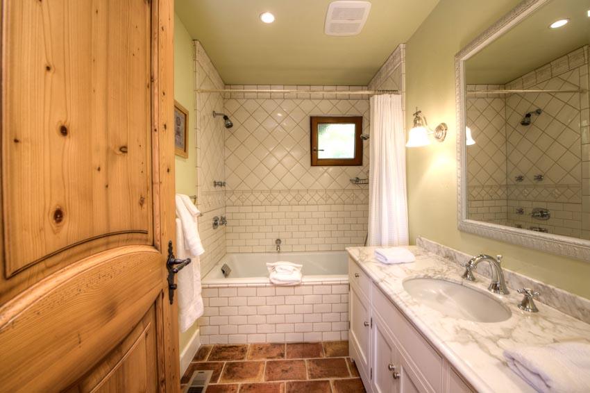 2110 Diamond Mountain Road Guest house bathroom