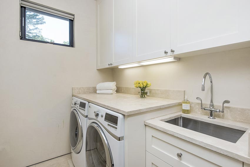478 Elmshaven Road St Helena apartment laundry room