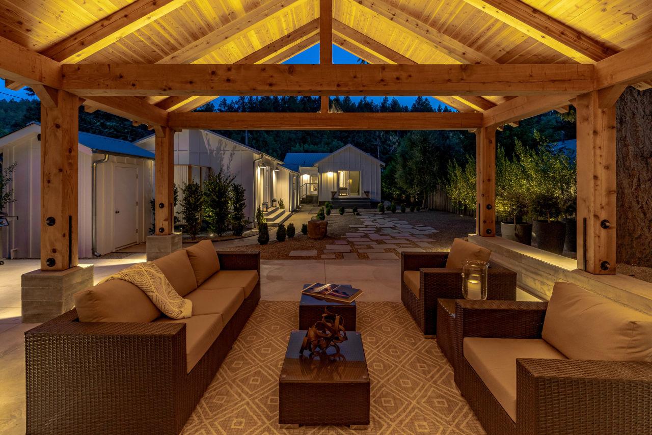 466 Elmshaven Road backyard lounge