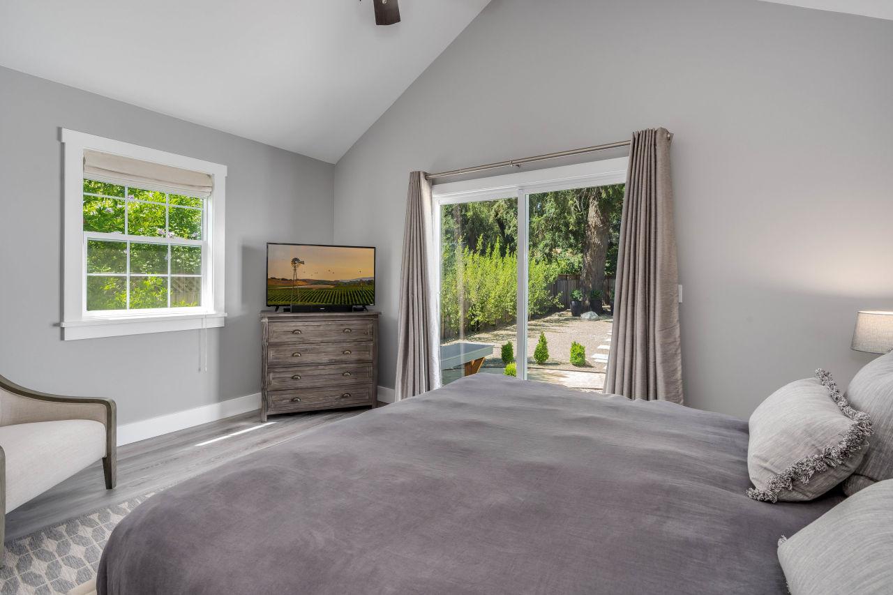 Bedroom 466 Elmshaven Road