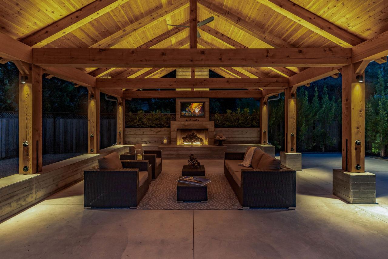 Night time lounge